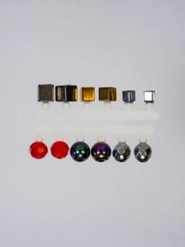 Набор МИКРО-БИС Куб 2,8 мм. Золото, Куб 4 мм. Серебро, Куб 2,2 мм. Серебро,  Кристалл 3,8 мм. Серебро, Кристалл 4,2 мм. Красный прозрачный, Шар 4 мм. Бензин по 2 шт.
